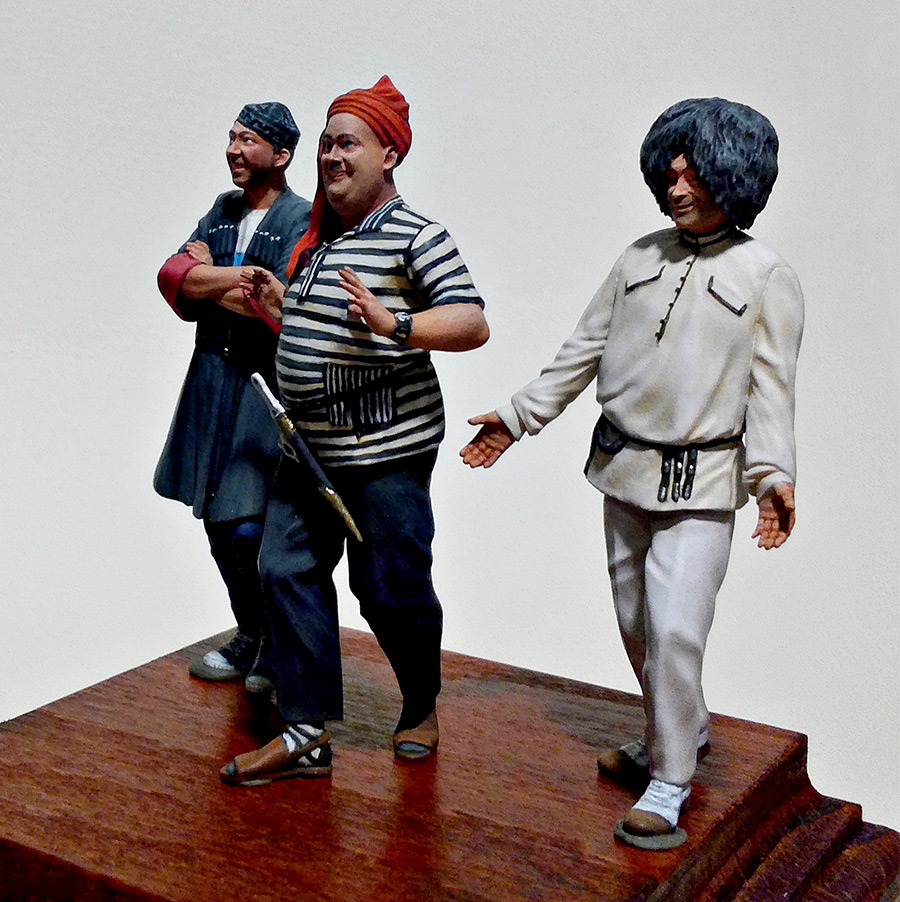 Figures: Friends of the loving mountainman, photo #2