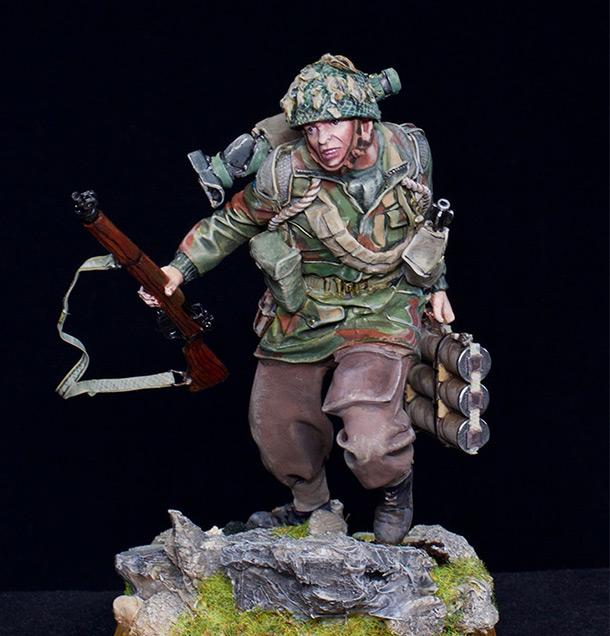 Figures: British paratrooper