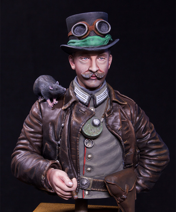 Figures: Prussian driver, 1915