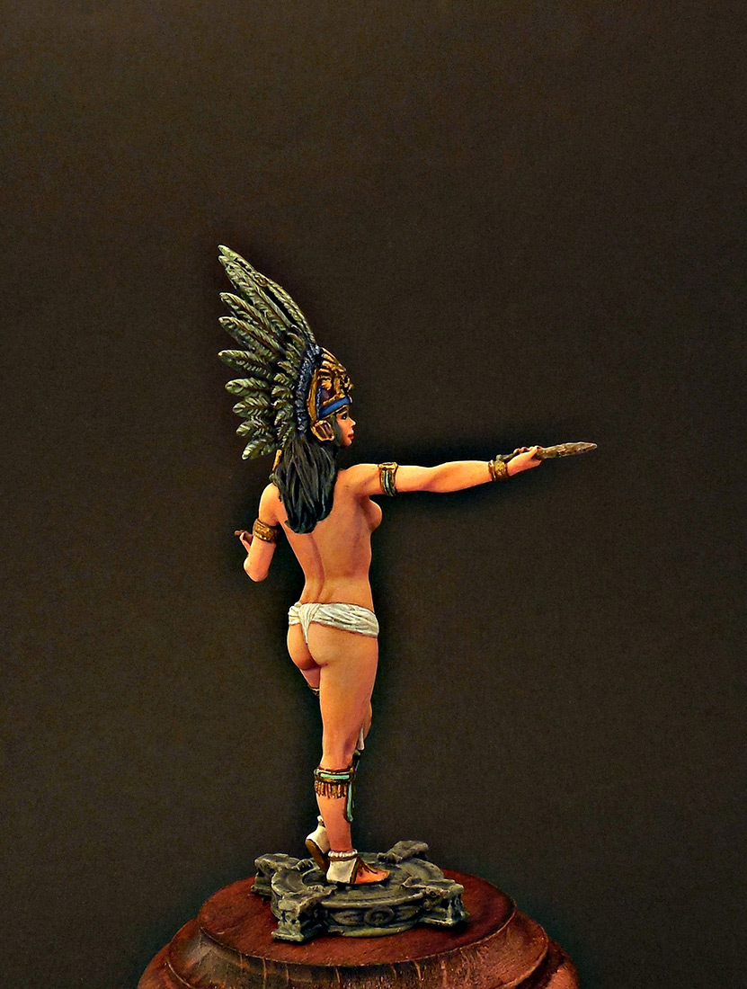 Figures: Mayan priestess, photo #4