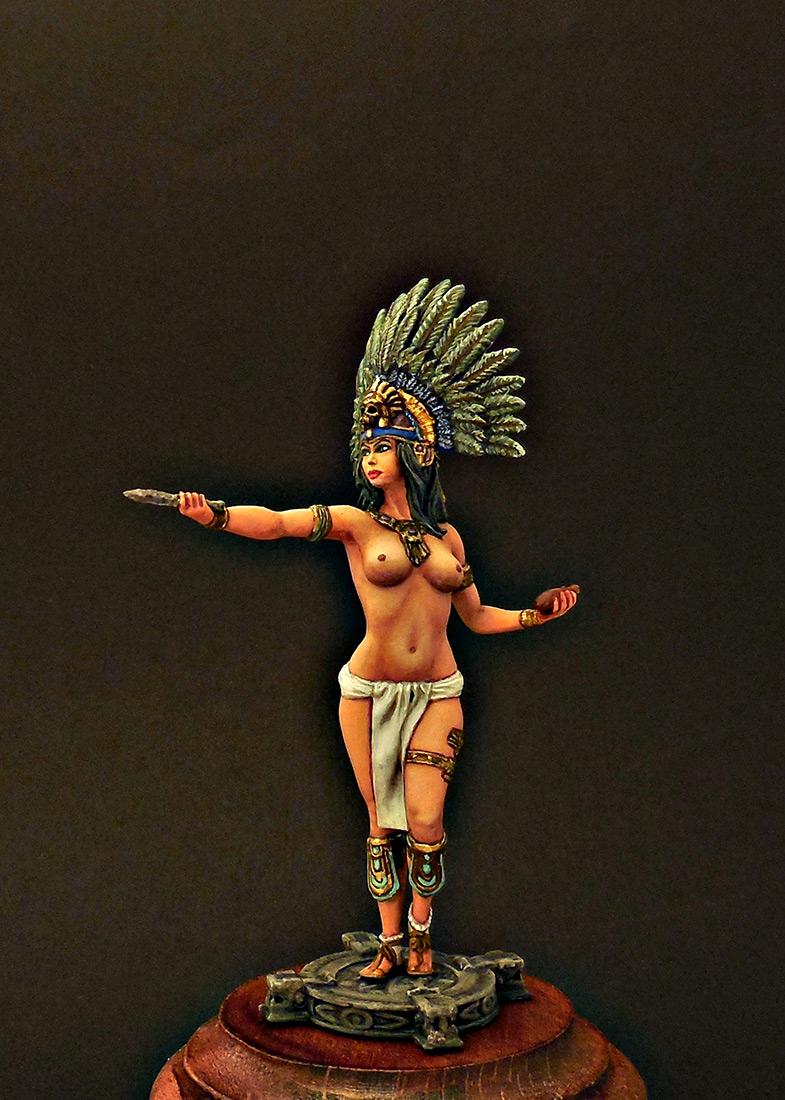 Figures: Mayan priestess, photo #6