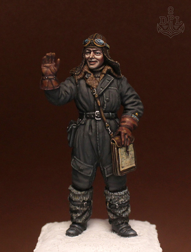 Figures: Soviet torpedo bomber crewman
