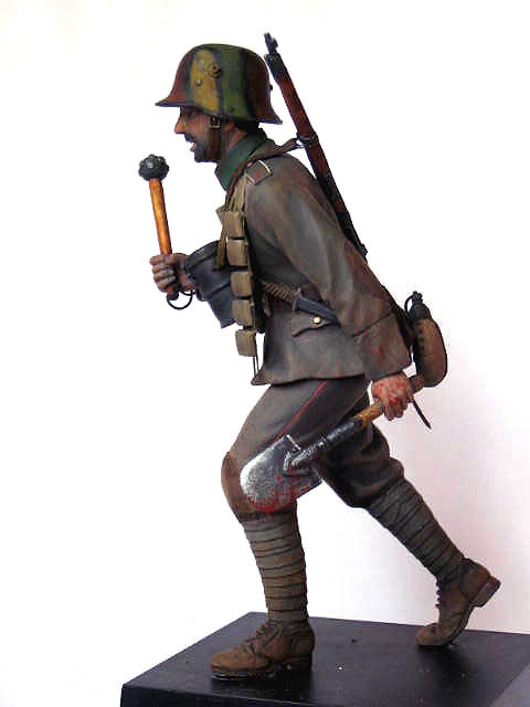 Figures: German stormtrooper, 1917-18, photo #2