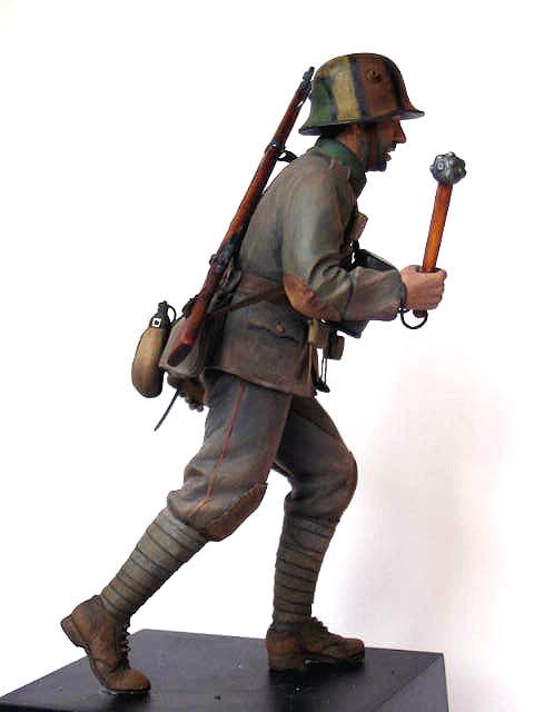 Figures: German stormtrooper, 1917-18, photo #4