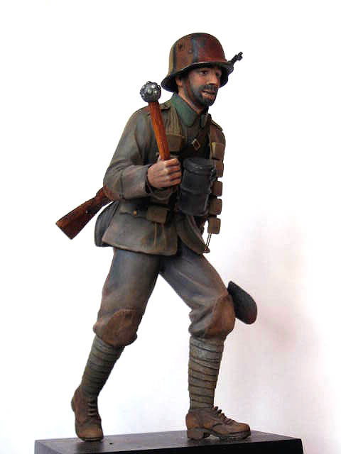 Figures: German stormtrooper, 1917-18, photo #5