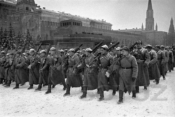 Figures: 7 november 1941. Red Square Parade., photo #4
