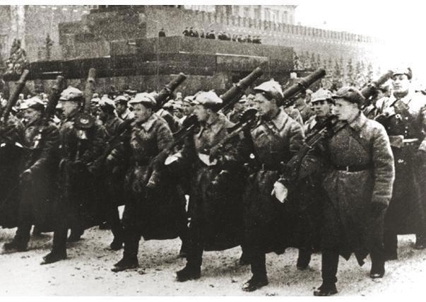 Figures: 7 november 1941. Red Square Parade., photo #5