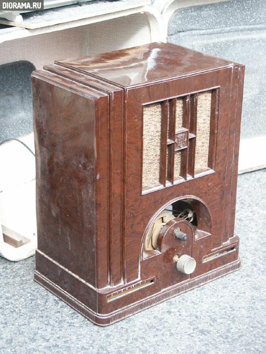 Telefunken radio set, 1930s-1950s,  (Library Diorama.Ru)