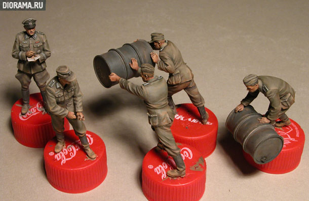 Reviews: German soldiers with fuel drums