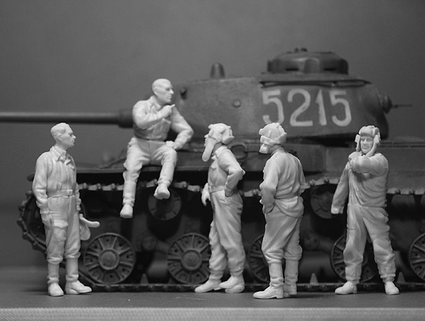Reviews: Soviet tank crew at rest